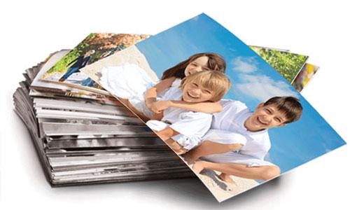 Olfocolor olarak sizin için çok değerli olan hatıralarınızın kaybolmaması için fotoğraflarınızı fotoğraf baskısı ile kalıcı hale getiriyoruz.    Olfocolor üzerinden verdiğiniz tüm fotoğraf baskı siparişleri 1. sınıf baskı makinelerinde, 1. sınıf kimyasallar ve 1. kalite fotoğraf kağıtları kullanılarak basılmaktadır.   Düğün, Tatil, doğum günü gibi tüm özel günler de çektiğiniz fotoğraflarınızı hiçbir zaman kaybetmemek için fotoğraf olarak bastırarak muhafaza edebilirsiniz.